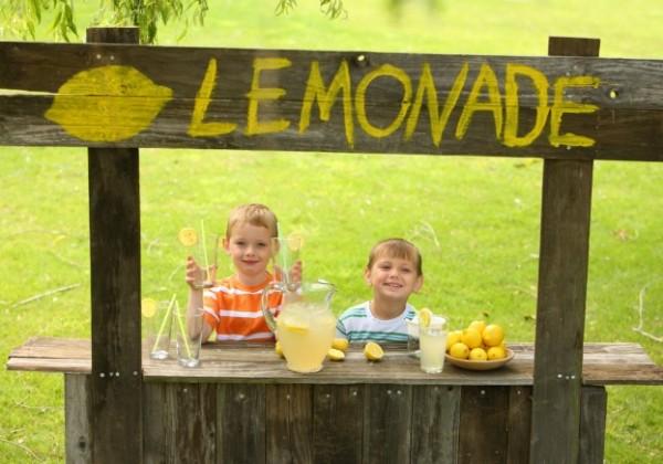 lemonade-stand-600x420