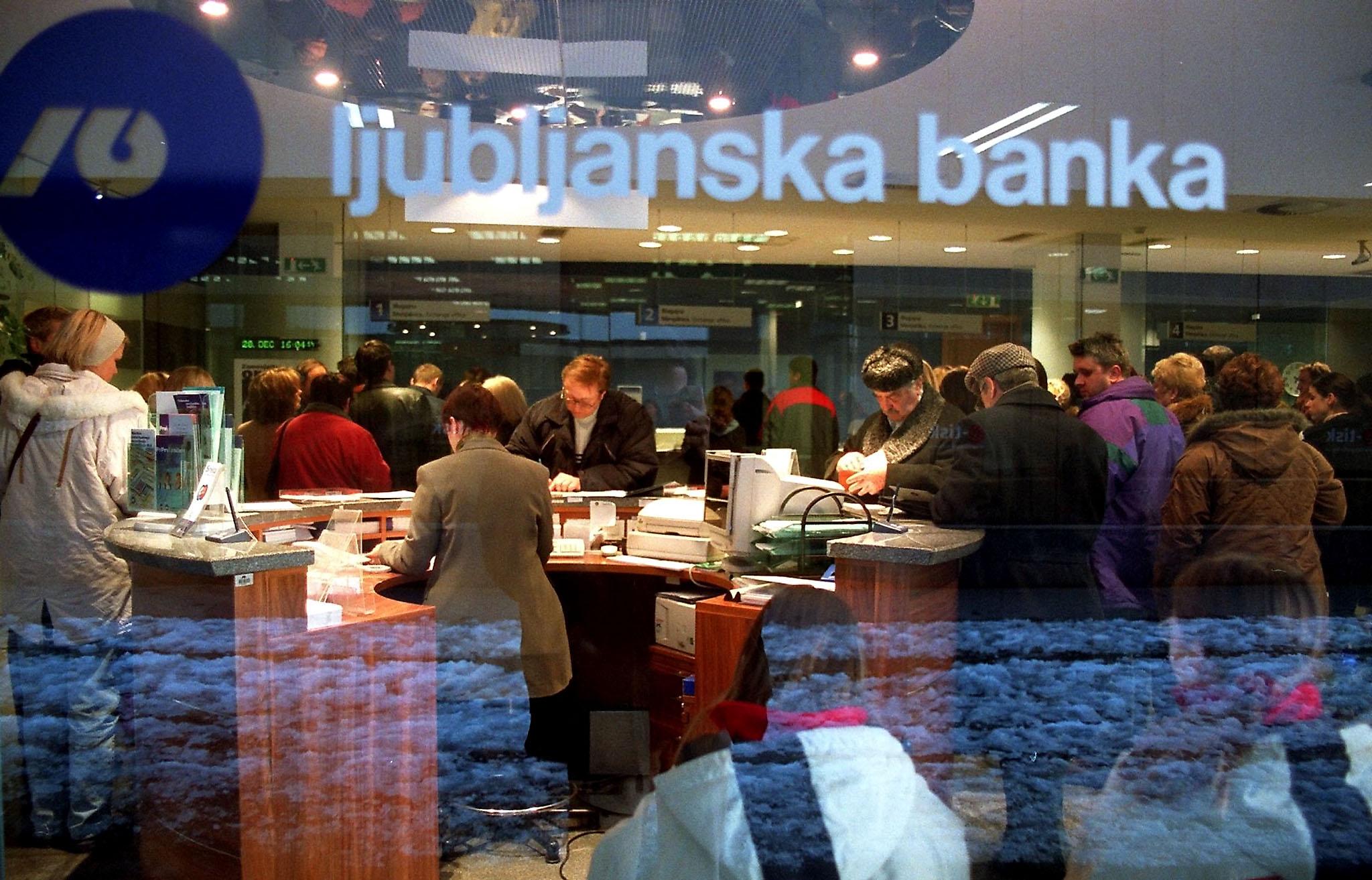 SLOVENIA - BANK