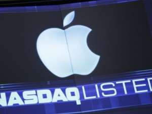 apple nasdaq wall street