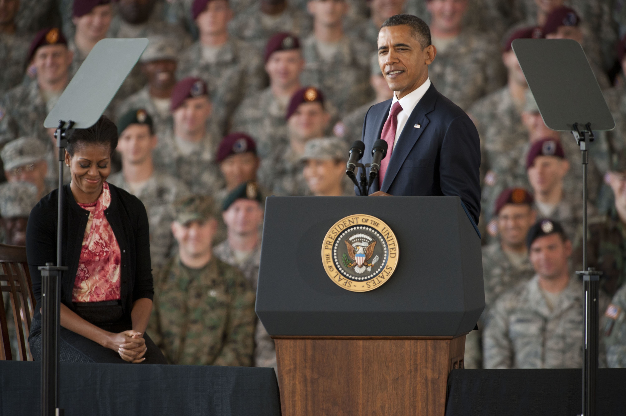 president-obama-speaks-to-troops-returning-home-from-iraq-at-fort-bragg-1