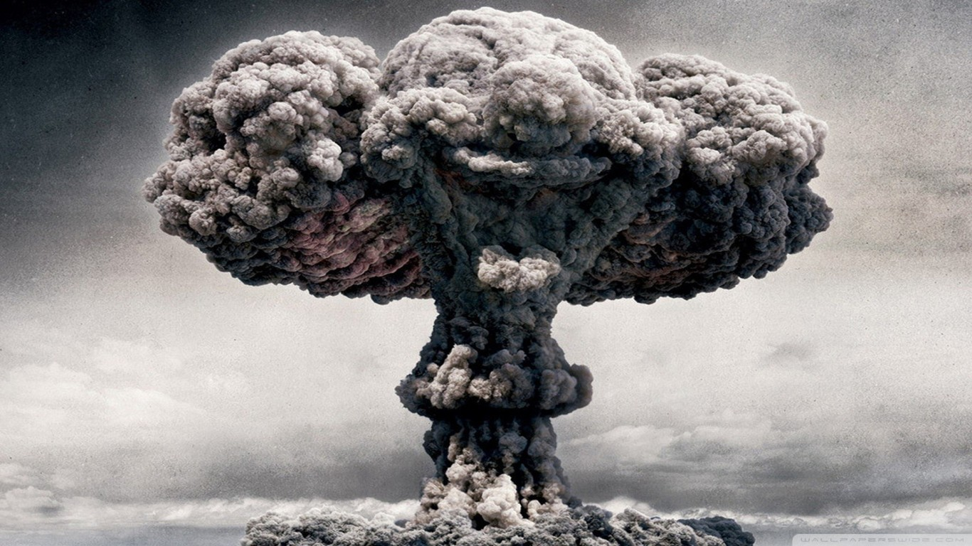 war_atomic_bomb_1366x768_68420