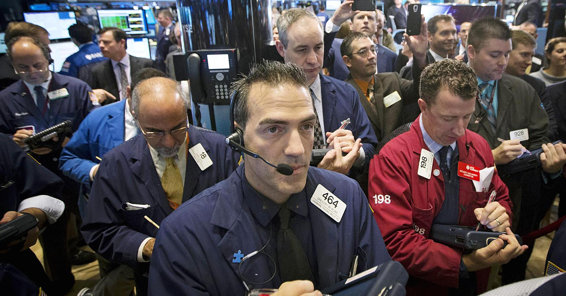 102098303-traders-new-york-stock-exchange.1910x1000