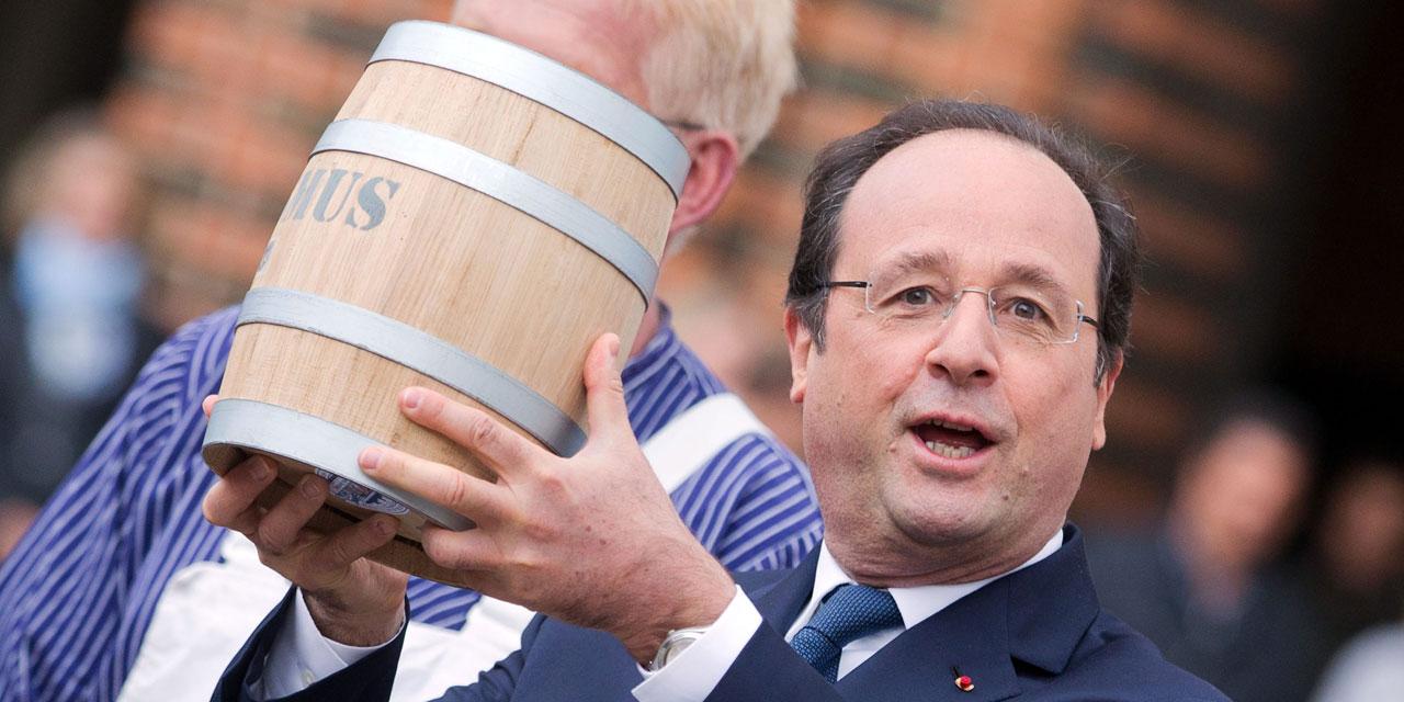 Et-Francois-Hollande-recut-un-tonneau-de-harengs-comme-souvenir-de-son-week-end-avec-Angela-Merkel