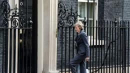la-nouvelle-premiere-ministre-britannique-designee-theresa-may-arrive-au-10-downing-street-a-londres-le-12-juillet-2016_5636459
